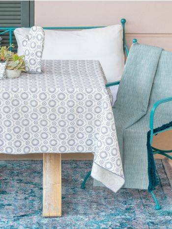 Tablecloth Swirl